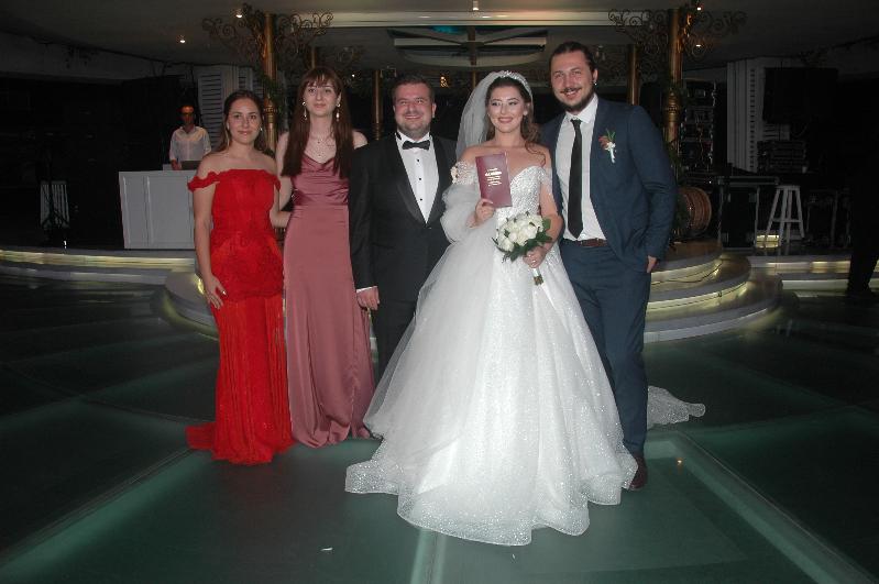 Berke Yazıcıoğlu ile İrem Tuna'nın en mutlu gecesi