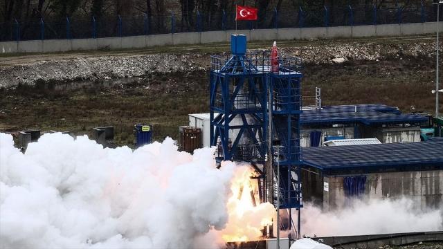 'Ay'a Sert İniş' görevinde hibrit roket motorunun testi başarıyla sonuçlandı