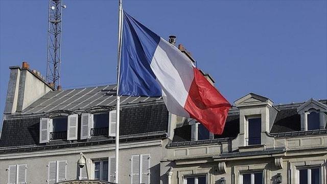 Fransa'da Ulusal Meclis tartışmalı Kovid19'la mücadele yasa tasarısını kabul etti