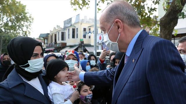 Cumhurbaşkanı Erdoğan, cuma namazını Eyüp Sultan Camisi'nde kıldı