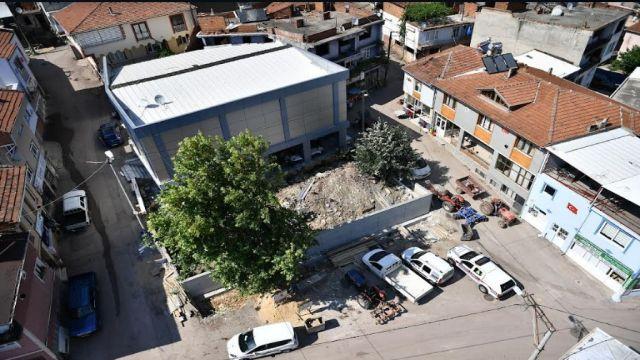 Osmangazi'de Hizmet Sağanağı Sürüyor