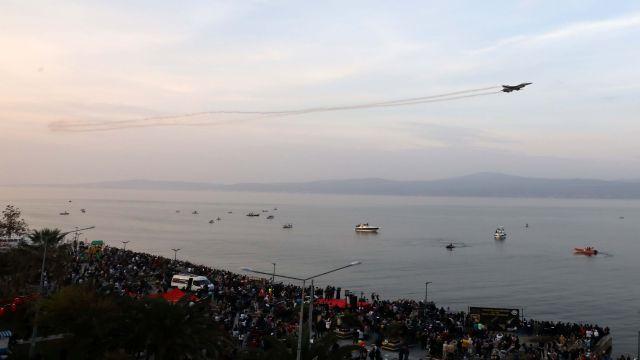 Mudanya'da Nefes Kesen SoloTürk Gösterisi