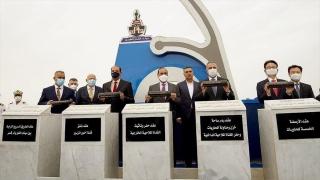 """Irak Başbakanı, ülkesiyle bölgesi arasında """"ekonomik köprü kuracak"""" Büyük Fav Limanı'nın temelini attı"""