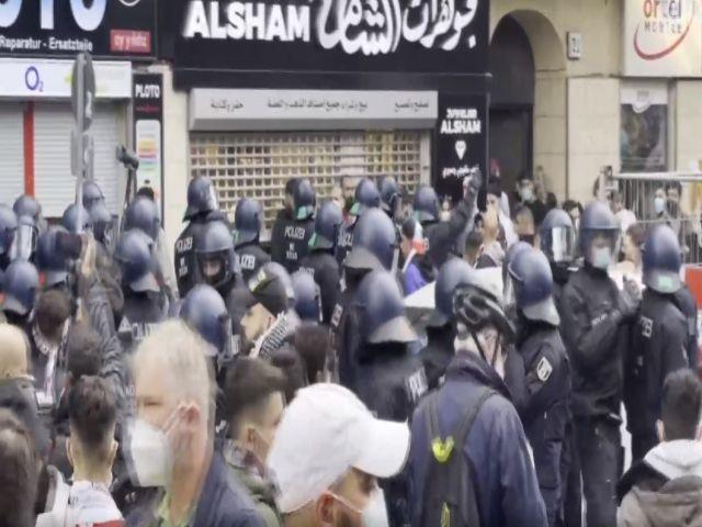 İsrail'in Filistinlilere yönelik saldırıları birçok ülkede protesto edildi